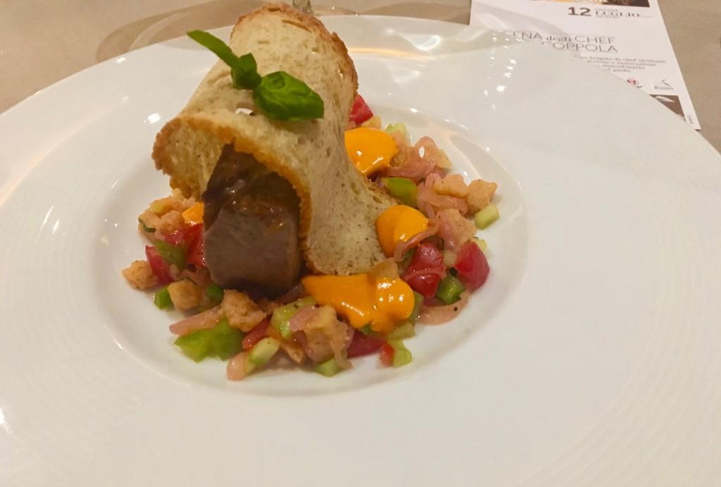 Panzanella siciliana con ventresca di tonno e maionese di peperoni di Giovanni Grasso