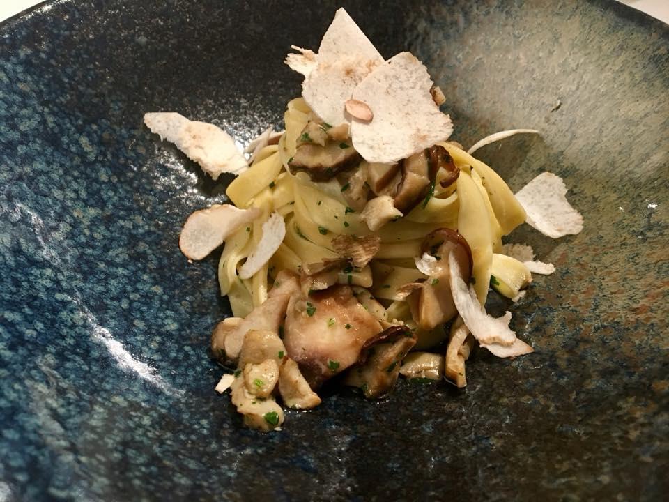Tagliatelle con funghi porcini