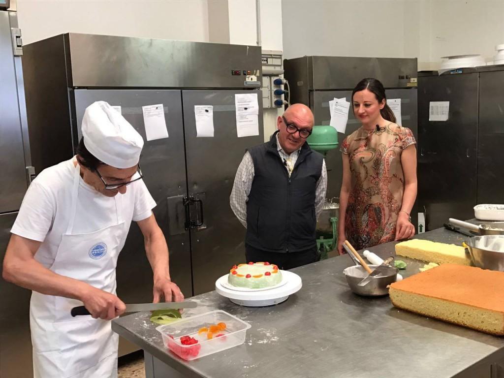 Con il titolare Filippo Denaro e il pasticciere Biagio